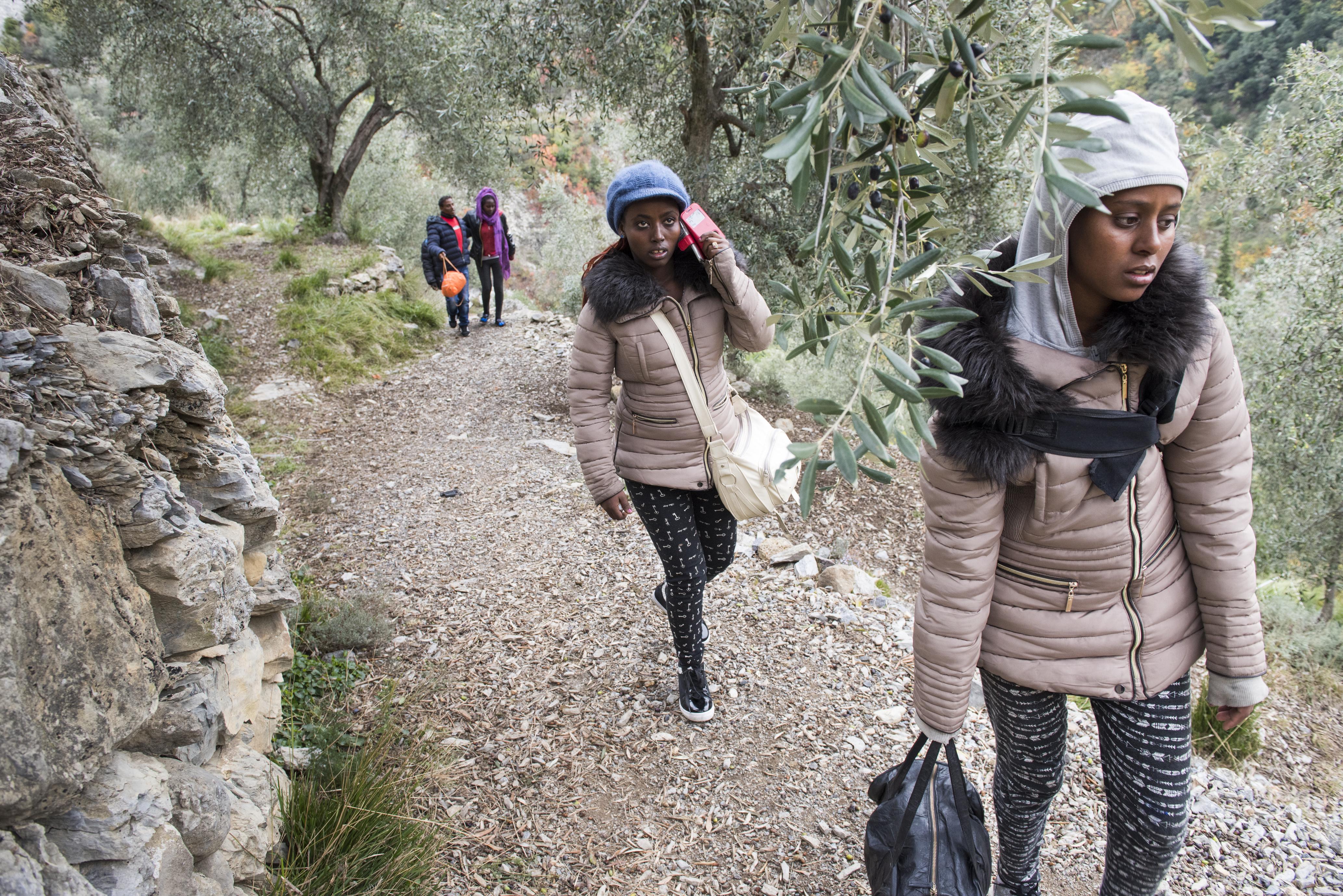 Dans la vallée de la Roya, on aide les migrants